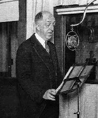 Doc Herrold broadcasting on KQW in the 1920s